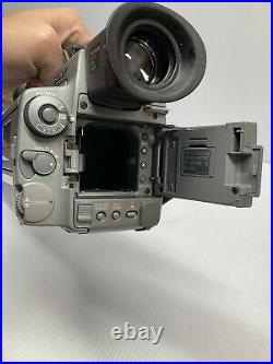 Sony DCR-VX1000 Digital Mini DV HandyCam Camcorder with Battery & Charger Tested
