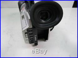 Sony DCR-VX2000 Digital Video Camera Recorder Camcorder MiniDV 3CCD with Case